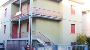 Vendesi appartamento porto potenza picena piano secondo con soffitta e terrazzi ingresso indipendente immobiliare parigi 03