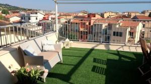 appartamento-attico in vendita a porto potenza picena centro con terrazzo vista mare agenzia immobiliare parigi di cruciani stefano compravendite e affitti 02
