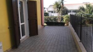 appartamento in affitto piano terra con giardino e garage agenzia immobiliare parigi di cruciani stefano compravendite e locazioni 03