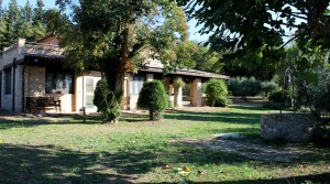 casale con giardino in vendita fra Civitanova Marche e Porto Potenza agenzia immobiliare Parigi di Cruciani Stefano compravendite e locazioni 18