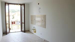 appartamento bilocale in vendita con balcone terrazzo cantina e posto auto a porto potenza picena zona centrale agenzia immobiliare parigi di cruciani stefano 02
