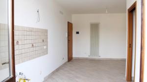appartamento bilocale in vendita con balcone terrazzo cantina e posto auto a porto potenza picena zona centrale agenzia immobiliare parigi di cruciani stefano 03