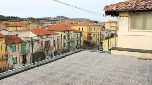 appartamento bilocale in vendita con balcone terrazzo cantina e posto auto a porto potenza picena zona centrale agenzia immobiliare parigi di cruciani stefano 15
