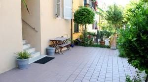 Appartamento piano terra con ingresso indipendente, corte, garage e cantina Porto Potenza Picena centro immobiliare parigi di cruciani stefano 03