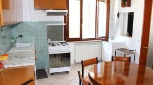 appartamento in vendita al piano terra con corte esclusiva ed ingrsso indipendente potenza picena casette torresi agenzia immobiliare parigi di cruciani stefano 06