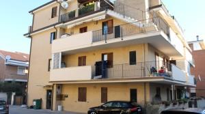Vendita appartamento bilocale con corte e cantina porto sant'elpidio fermo agenzia immobiliare parigi di cruciani stefano 12