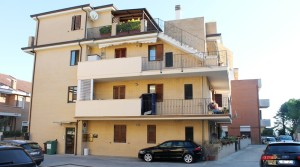 Vendita appartamento bilocale con corte e cantina porto sant'elpidio fermo agenzia immobiliare parigi di cruciani stefano 13