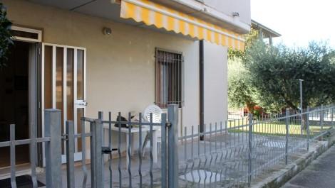 BILOCALE PIANO TERRA CON GIARDINO - Agenzia Immobiliare ...