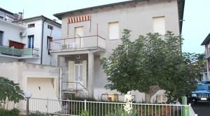 In vendita casa singola, soluzione indipendente con giardino e garage porto potenza picena centro agenzia immobiliare parigi di cruciani stefano 02