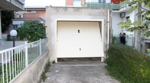 In vendita casa singola, soluzione indipendente con giardino e garage porto potenza picena centro agenzia immobiliare parigi di cruciani stefano 05