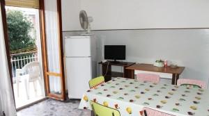 In vendita casa singola, soluzione indipendente con giardino e garage porto potenza picena centro agenzia immobiliare parigi di cruciani stefano 17