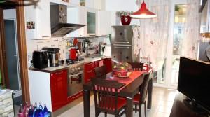 in vendita appartamento trilocale piano terra con giardino e garage 62018 porto potenza picena agenzia immobiliare parigi di cruciani stefano via regina margherita 3 13