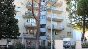 Agenzia immobiliare parigi di cruciani stefano vende appartamento con garage e soffitta porto potenza picena 02 facciata